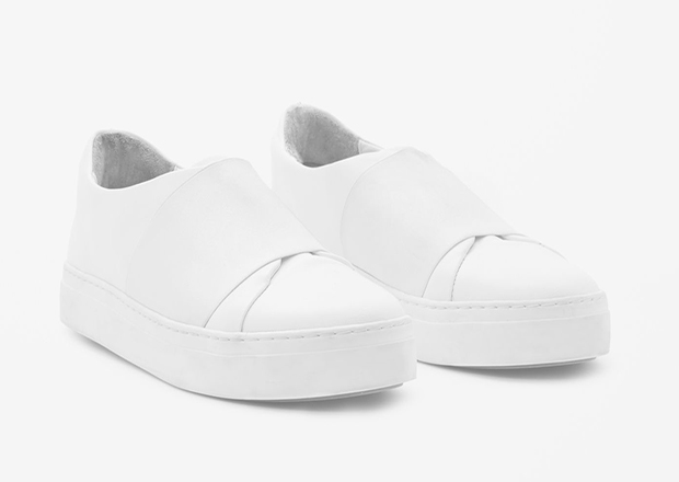 10 White Sneakers for Women to beat the